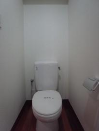 トイレ(601)