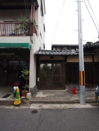 路地の入口
