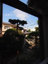 キッチン横の窓