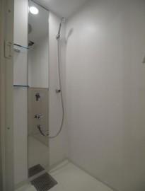 シャワー室 (2)